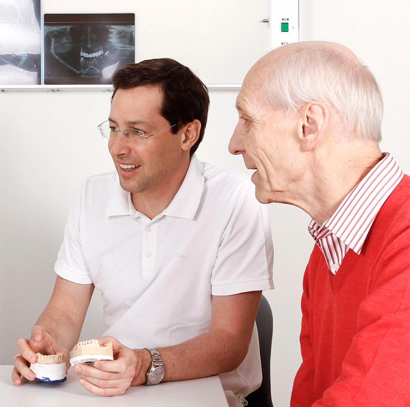 Ordination-Klug-Zahnarzt-Patientenberatung